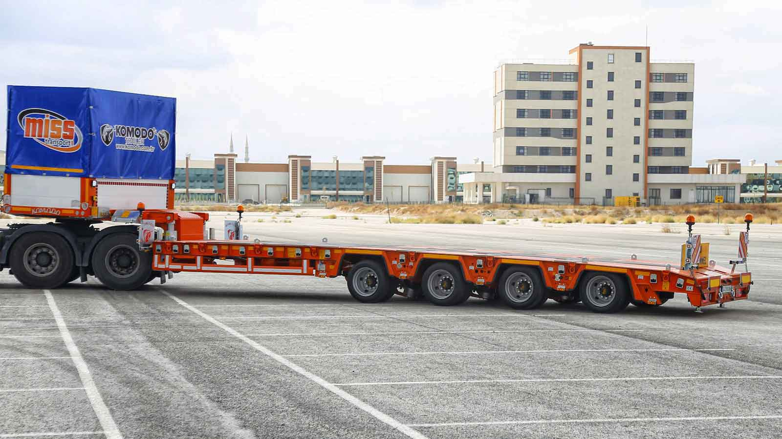 4 AXLE EXTRA LOW LOADER
